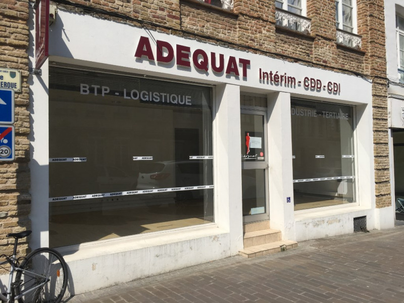 Location local commercial Saint omer 800€ HC - Photo 1