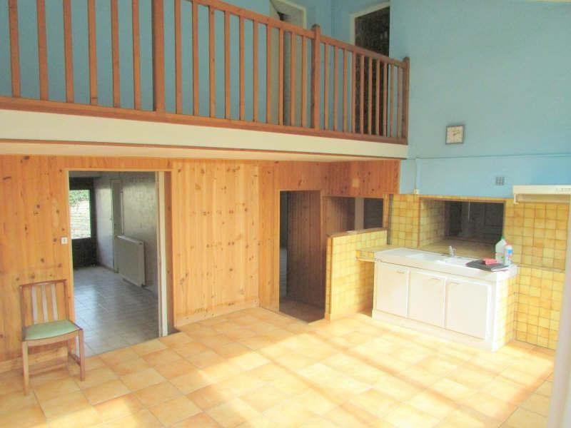 Sale house / villa Aigre 84000€ - Picture 3