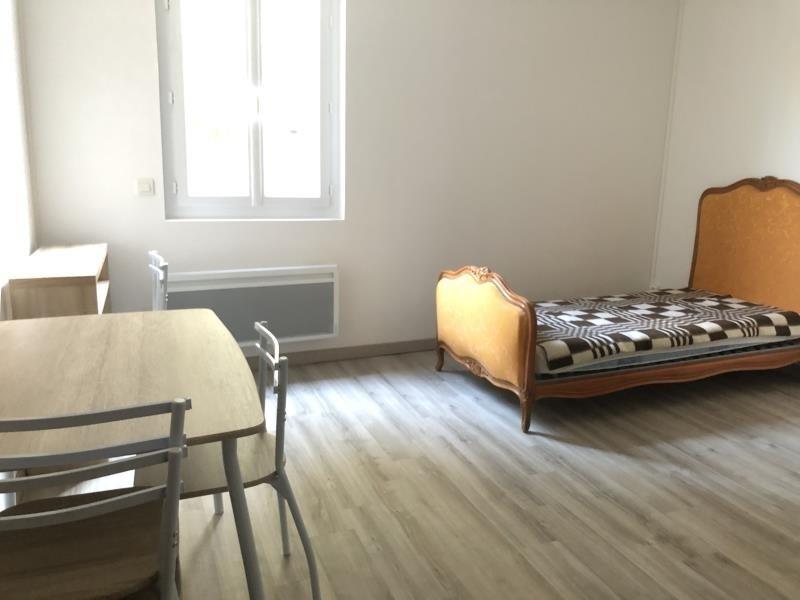 Affitto appartamento Nimes 390€ CC - Fotografia 1