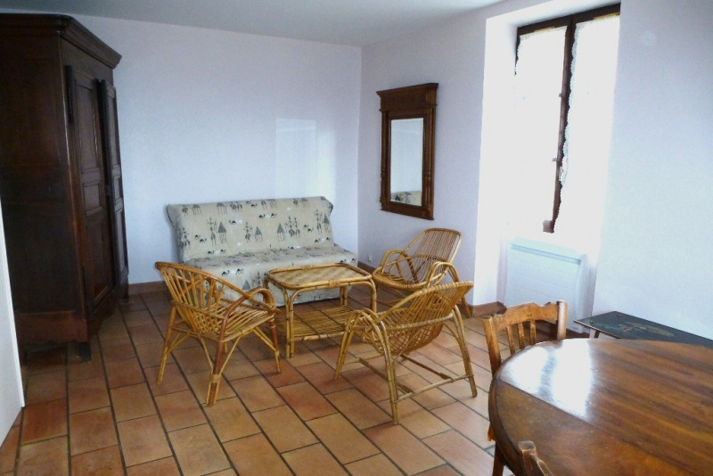 Location appartement Aubenas 322€ CC - Photo 1