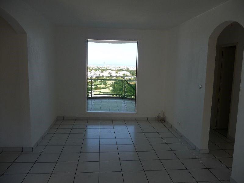 Location appartement La possession 655€ CC - Photo 2
