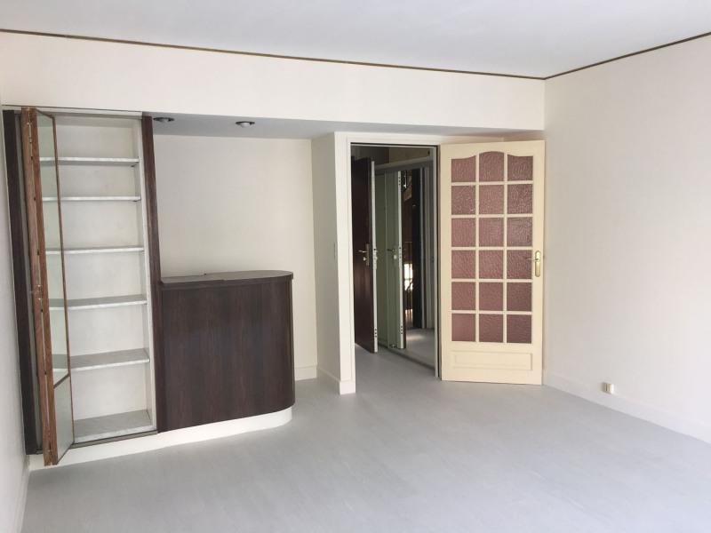 Location appartement Paris 9ème 715€ CC - Photo 4