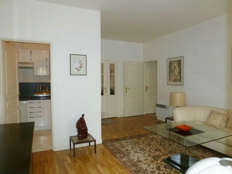 Rental apartment Levallois perret 1269€ CC - Picture 2