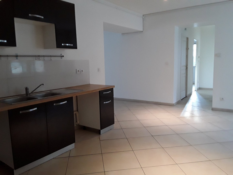 Location appartement Neyron 989€ CC - Photo 2