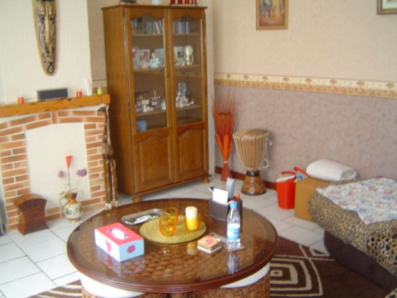 Rental house / villa Saint quentin 545€ CC - Picture 3