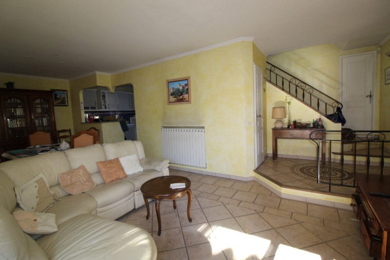 Vente maison / villa Hyeres 420 000€ - Photo 7