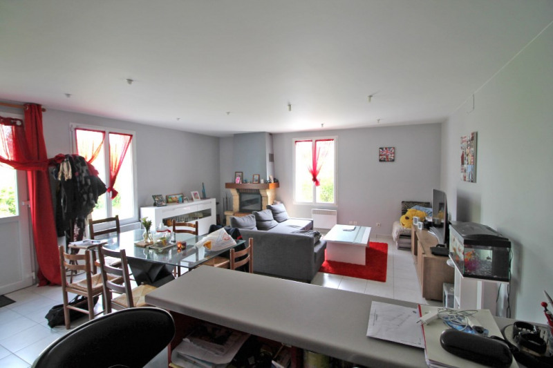Vente maison / villa La chartre sur le loir 86800€ - Photo 8