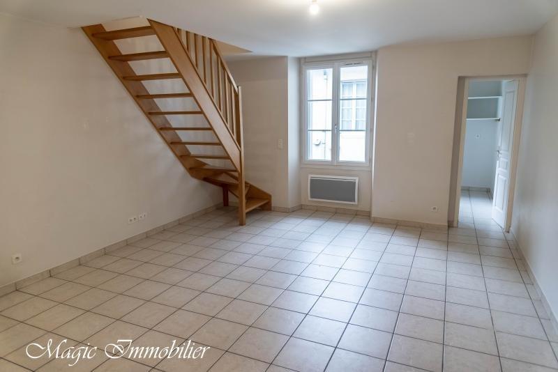 Rental apartment Nantua 491€ CC - Picture 1