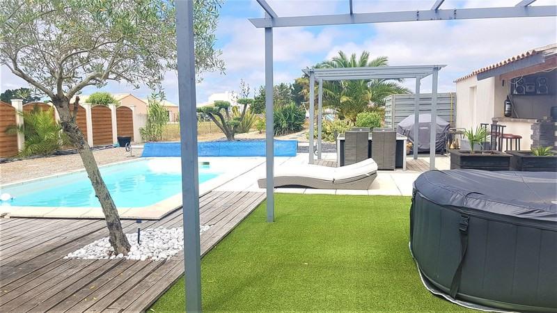 Sale house / villa L'île-d'olonne 495000€ - Picture 1