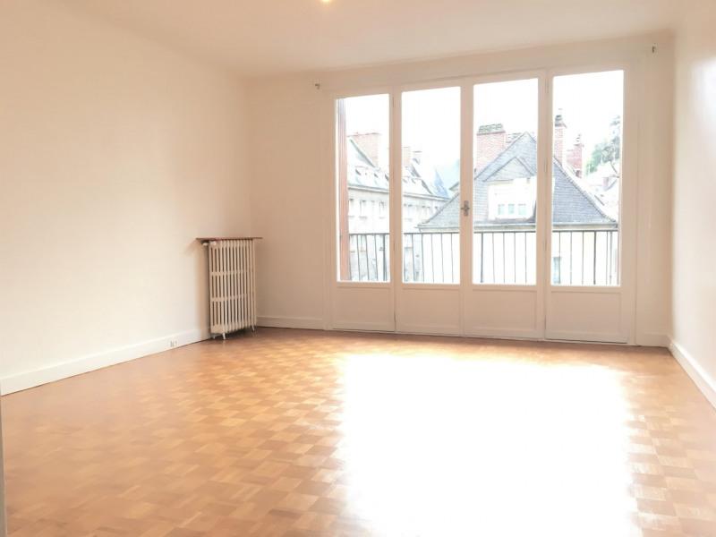 Rental apartment Pontoise 738€ CC - Picture 1