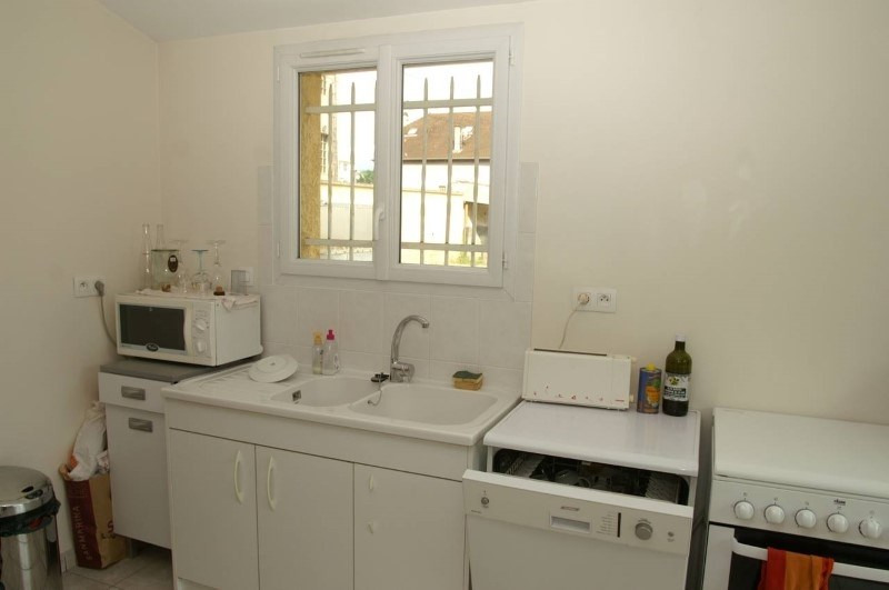 Rental house / villa Bourgoin jallieu 880€ CC - Picture 3