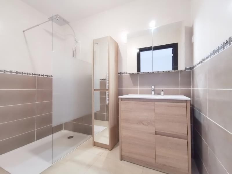 Sale apartment Scionzier 178000€ - Picture 2