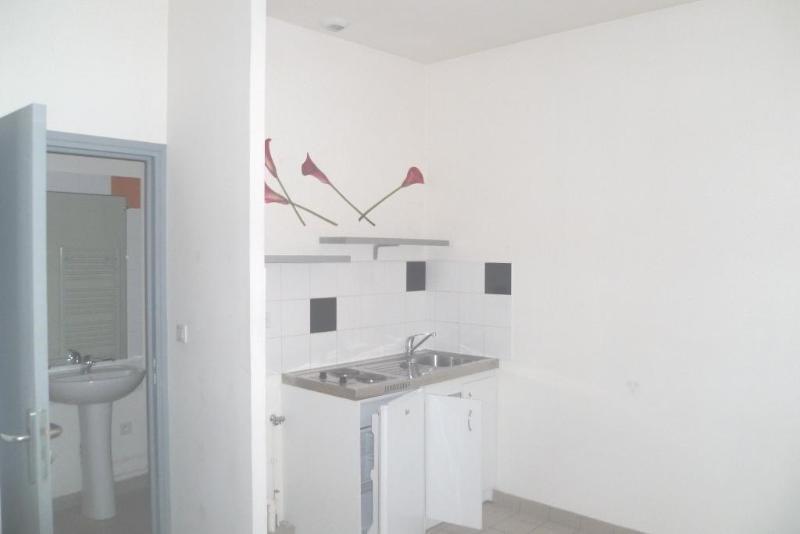 Location appartement Aire sur la lys 330€ CC - Photo 3