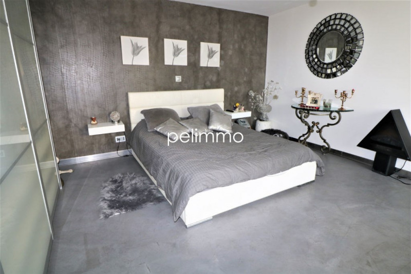 Sale house / villa Saint chamas 525000€ - Picture 4