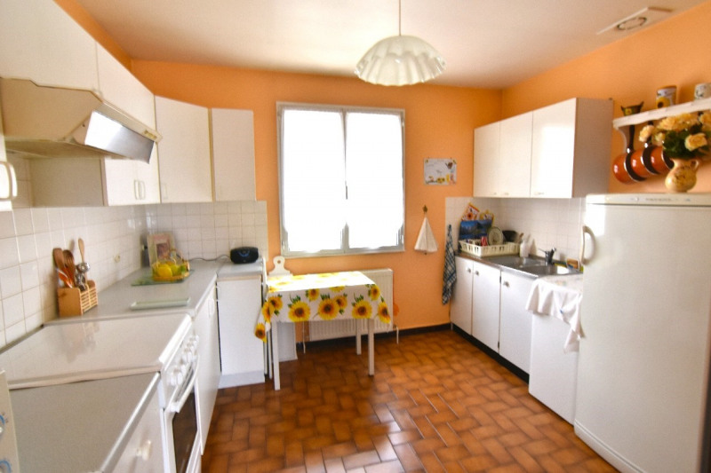 Sale house / villa Bornel 265000€ - Picture 3