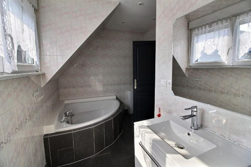 Sale house / villa Geispolsheim 386000€ - Picture 9