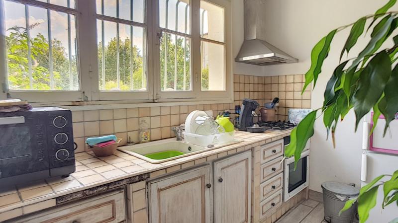 Location maison / villa Aix en provence 1300€ CC - Photo 1