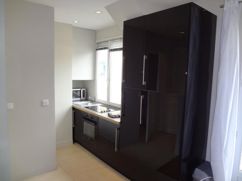Location appartement Paris 16ème 1362€ CC - Photo 6