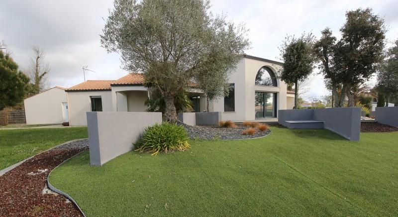 Deluxe sale house / villa Le fenouiller 676000€ - Picture 9