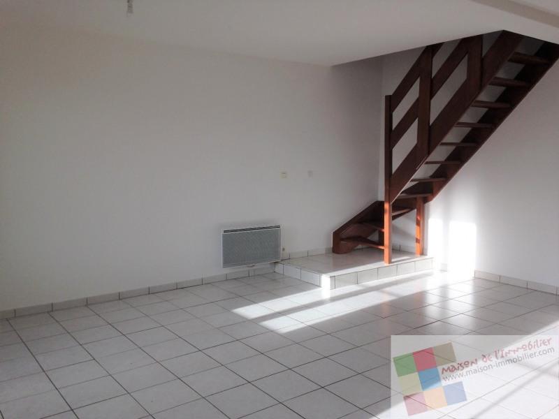 Location maison / villa Burie 437€ CC - Photo 2