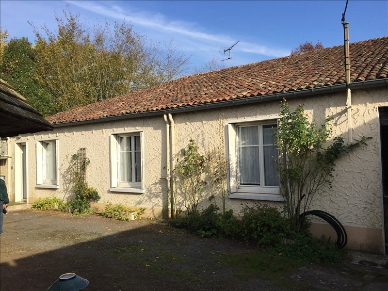Rental house / villa St benoit 580€ CC - Picture 1