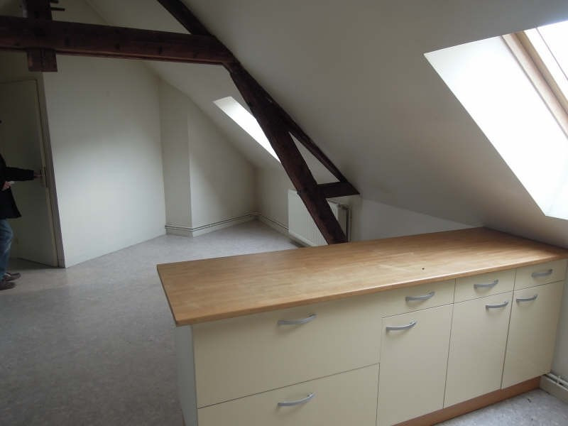 Rental apartment Crepy en valois 635€ CC - Picture 2