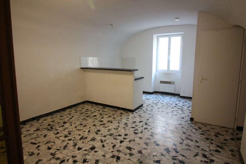 Location appartement Barjac 390€ CC - Photo 1
