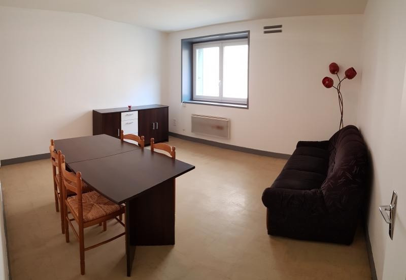 Location appartement Nantua 297€ CC - Photo 1