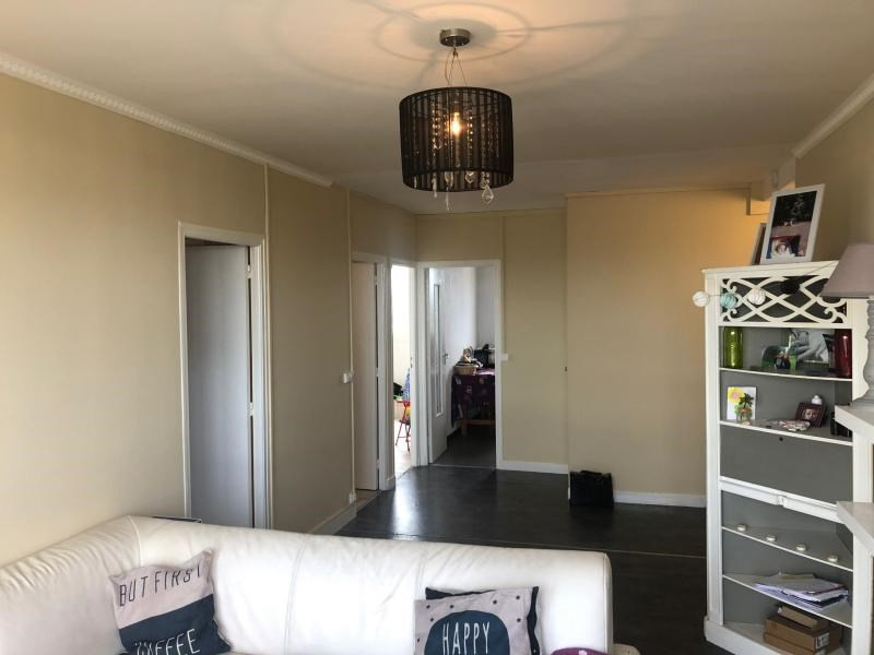 Vente appartement Troyes 89900€ - Photo 2