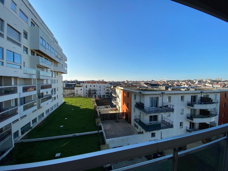 Sale apartment La rochelle 249 200€ - Picture 2
