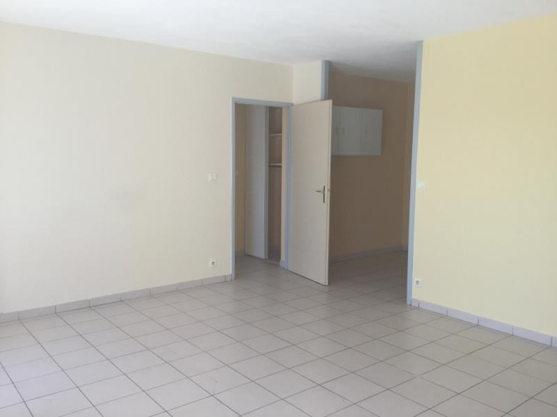 Sale apartment Tournon-sur-rhone 120 000€ - Picture 2