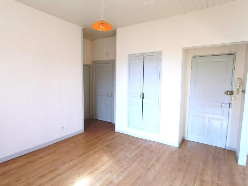 Location appartement Mazamet 465€ CC - Photo 2