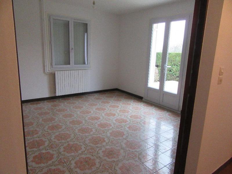 Location maison / villa Sarliac sur l isle 660€ CC - Photo 3