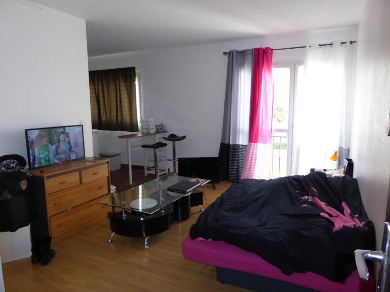 Rental apartment Maurepas 601€ CC - Picture 1