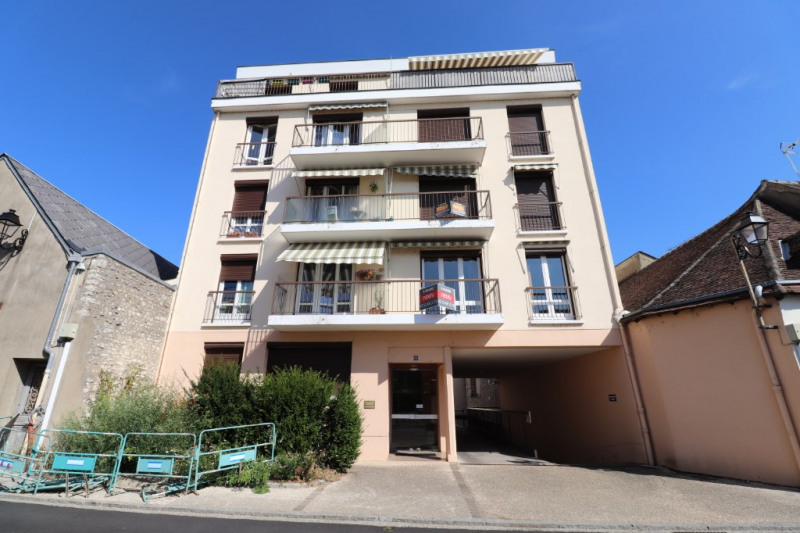 Sale apartment Montargis 96750€ - Picture 1