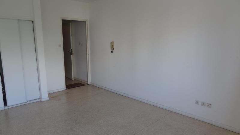 Rental apartment St denis 320€ CC - Picture 3