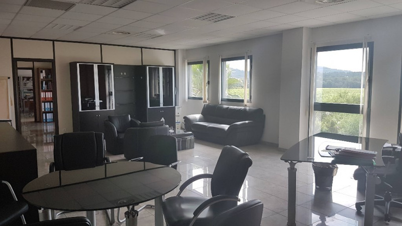 Vente local commercial Cuers 1699000€ - Photo 7