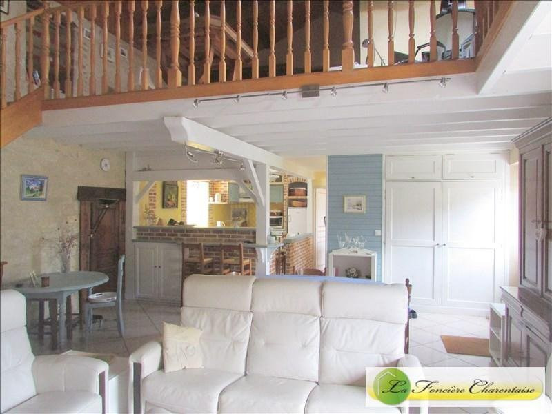 Sale house / villa Villefagnan 328 000€ - Picture 3