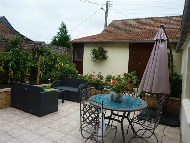 Sale house / villa Lisieux 273000€ - Picture 2