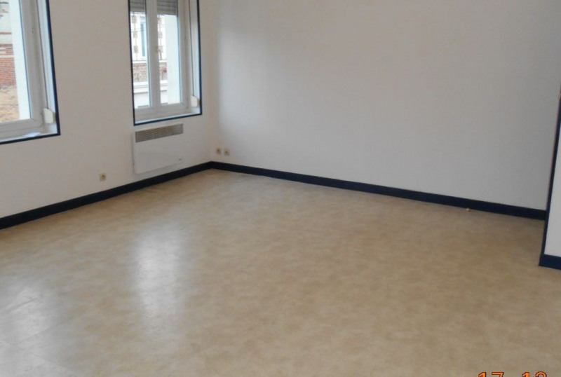 Location appartement Saint quentin 405€ CC - Photo 2
