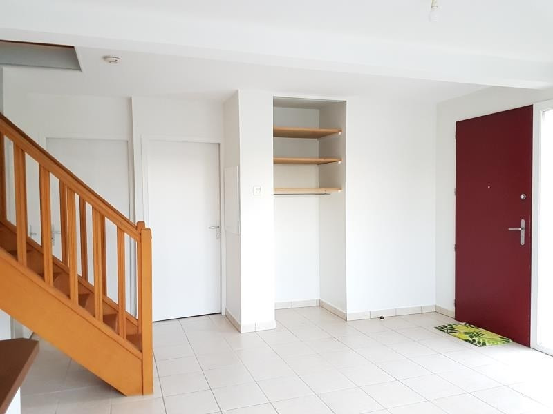 Location appartement Aubigny sur nere 554€ CC - Photo 2