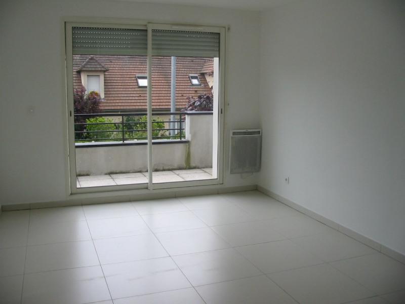 Rental apartment Sainte geneviève des bois 750€ CC - Picture 2
