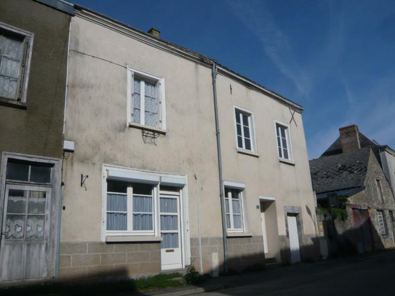 Sale house / villa La bazouge de chemere 33000€ - Picture 1