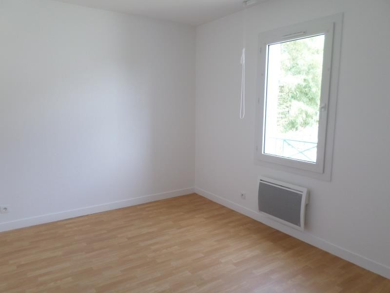 Location maison / villa Montmorillon 897€ CC - Photo 9