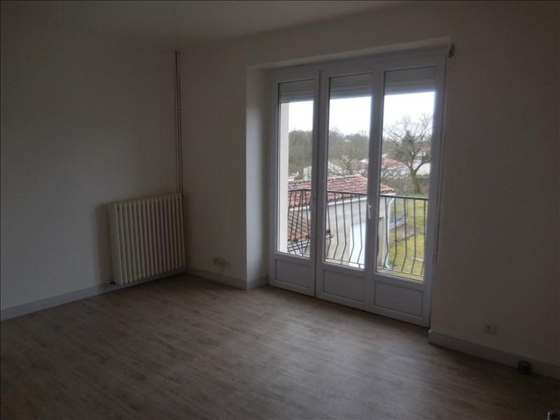 Rental apartment La roche sur yon 509€ CC - Picture 2