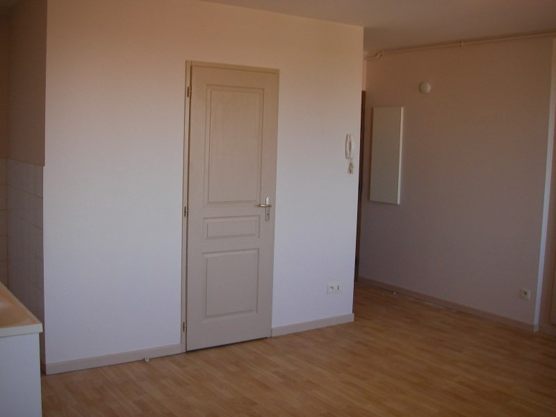 Location appartement St jean le vieux 295€ CC - Photo 3