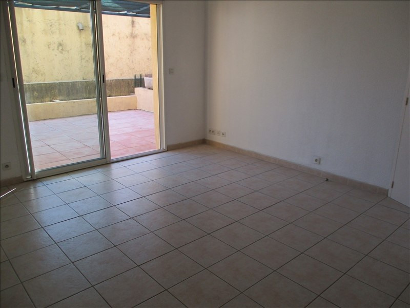 Location appartement Eyguieres 589€ CC - Photo 6