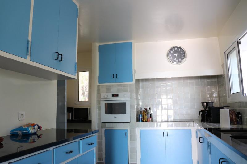 Vacation rental house / villa Cavalaire sur mer 4800€ - Picture 9