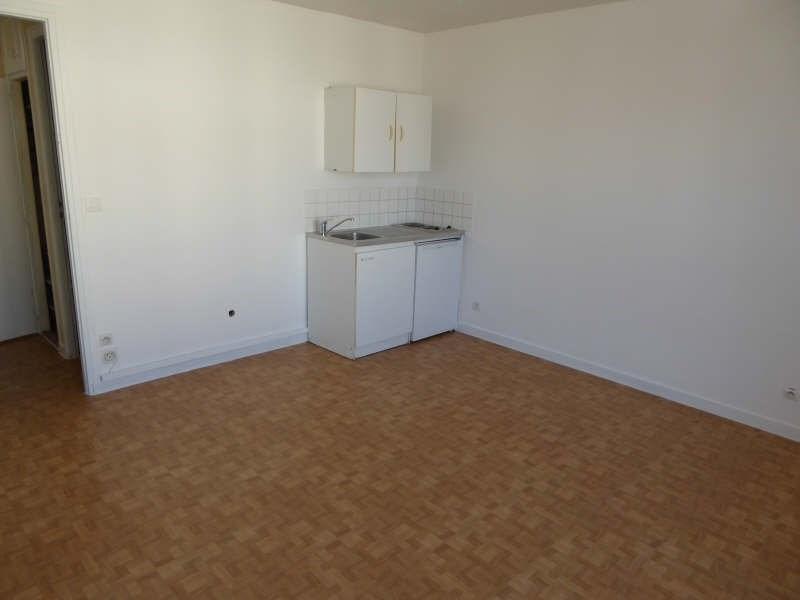 Rental apartment Maurepas 516€ CC - Picture 2