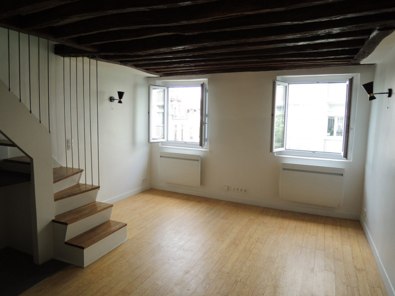 Rental apartment Paris 3ème 1 685€ CC - Picture 4